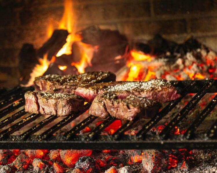 Direct barbecueen op de bbq